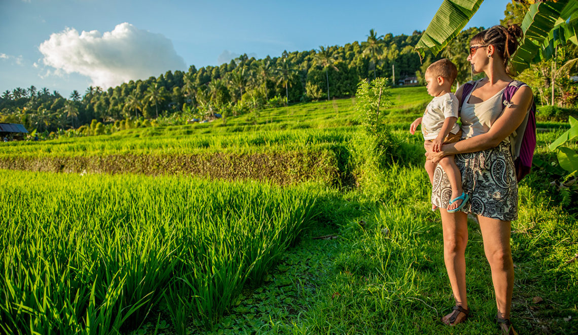 Munduk, il cuore verde di Bali con un bambino