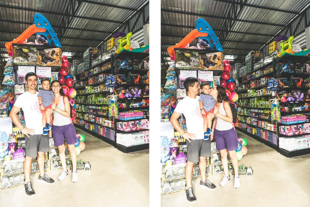 Negozio di giocattoli a Chiang Rai, Thailandia - Mamma ho preso l'aereo