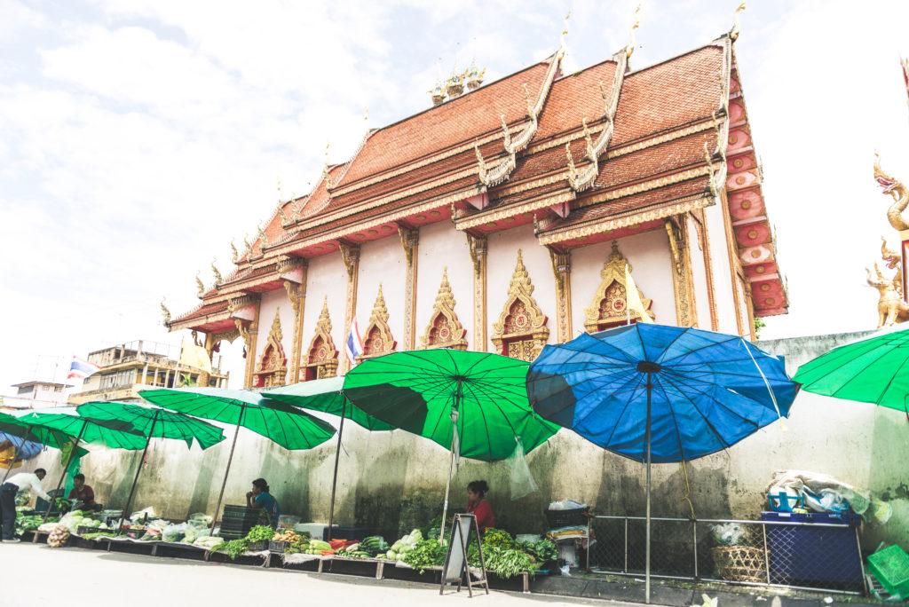 Tempio a Chiang Rai, Thailandia | Mamma ho preso l'aereo
