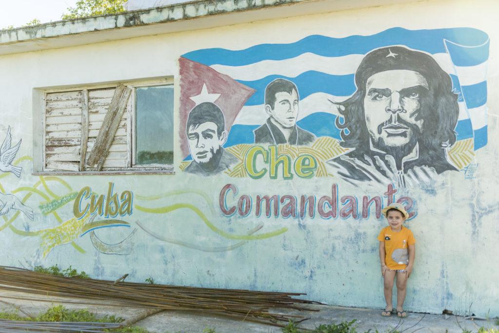 Murales a Playa Giròn